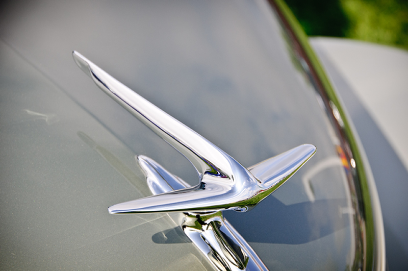 1937 Lincoln Zephyr Coupe hood ornament