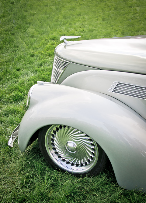 1937 Lincoln Zephyr Coupe left front