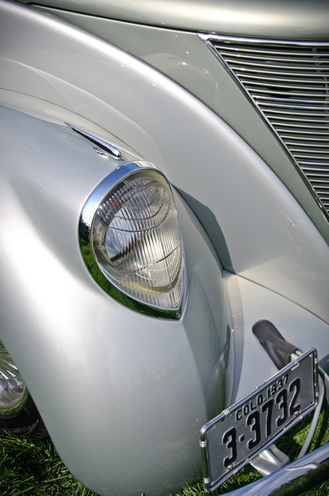 1937 Lincoln Zephyr Coupe right head light
